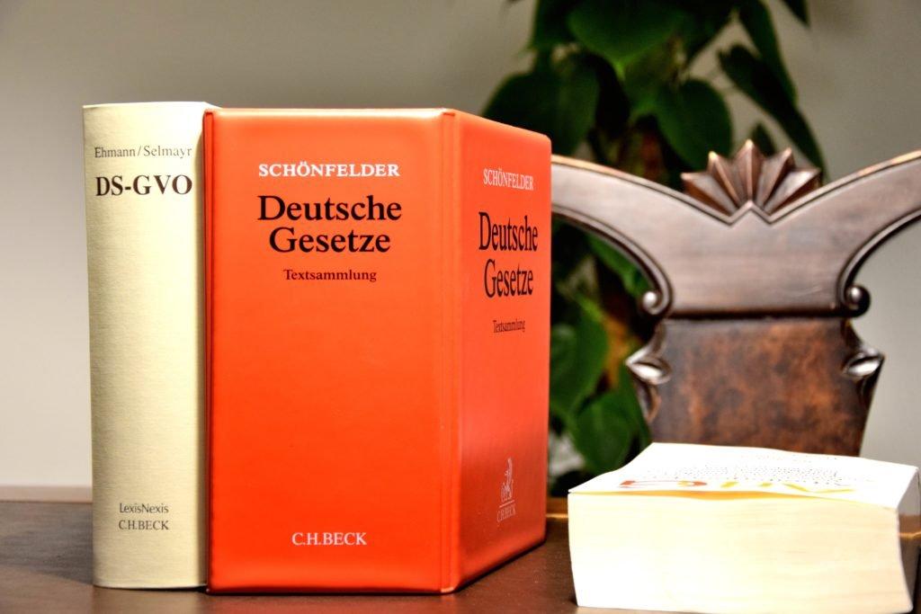 Rechtsanwalt Vertragsgestaltung Zivilrecht München